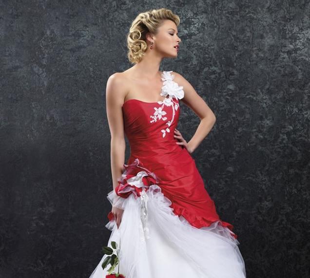 robe de mariée rouge et blanche